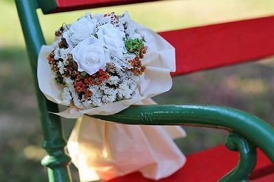 white-flower-bridal-bouquet-3624438__340.jpg
