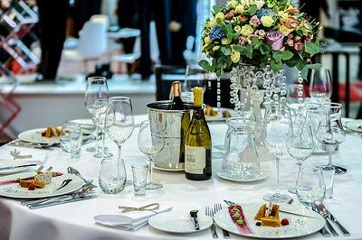 exclusive-banquet-1812772__340.jpg