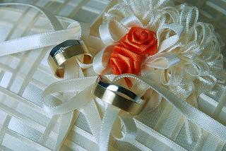 gold-wedding-rings-1434866_960_720.jpg