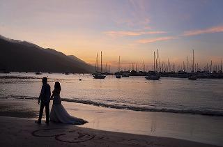 romantic-wedding-couple-1434873_960_720.jpg