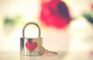 valentine-3126531__340.jpg
